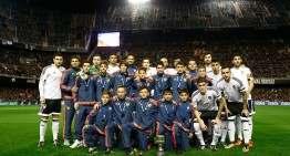 El Valencia sub-12 recibe el homenaje de Mestalla