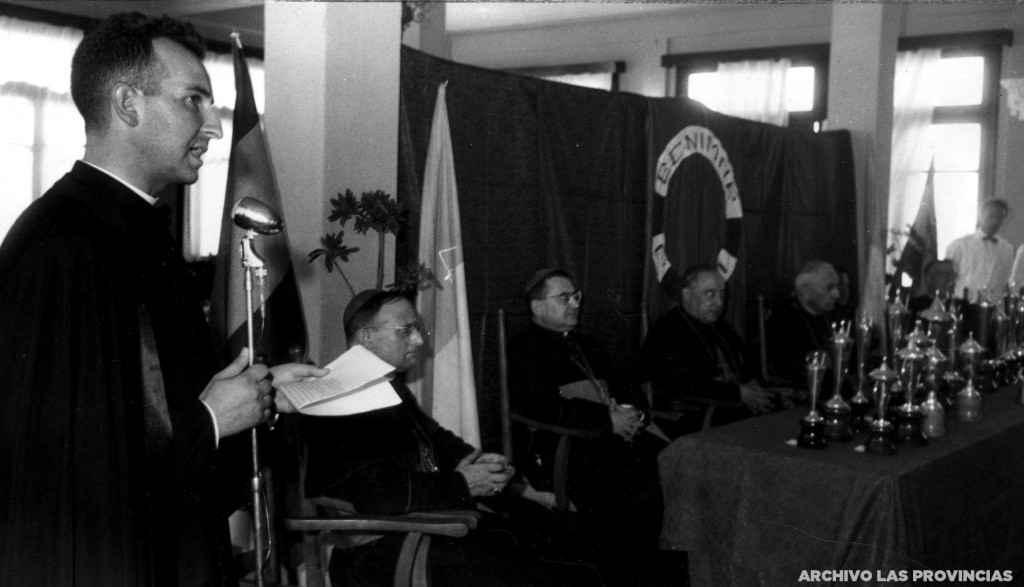 Discurso de Elías Llagarías en Benimar en 1962 | Foto: Archivo Las Provincias
