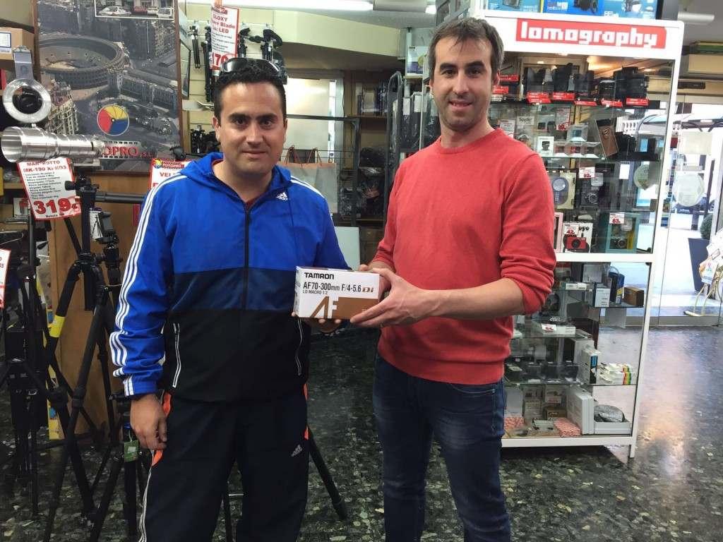 Jose Ignacio García (izquierda) recibe el premio | Foto: FOTOPRO