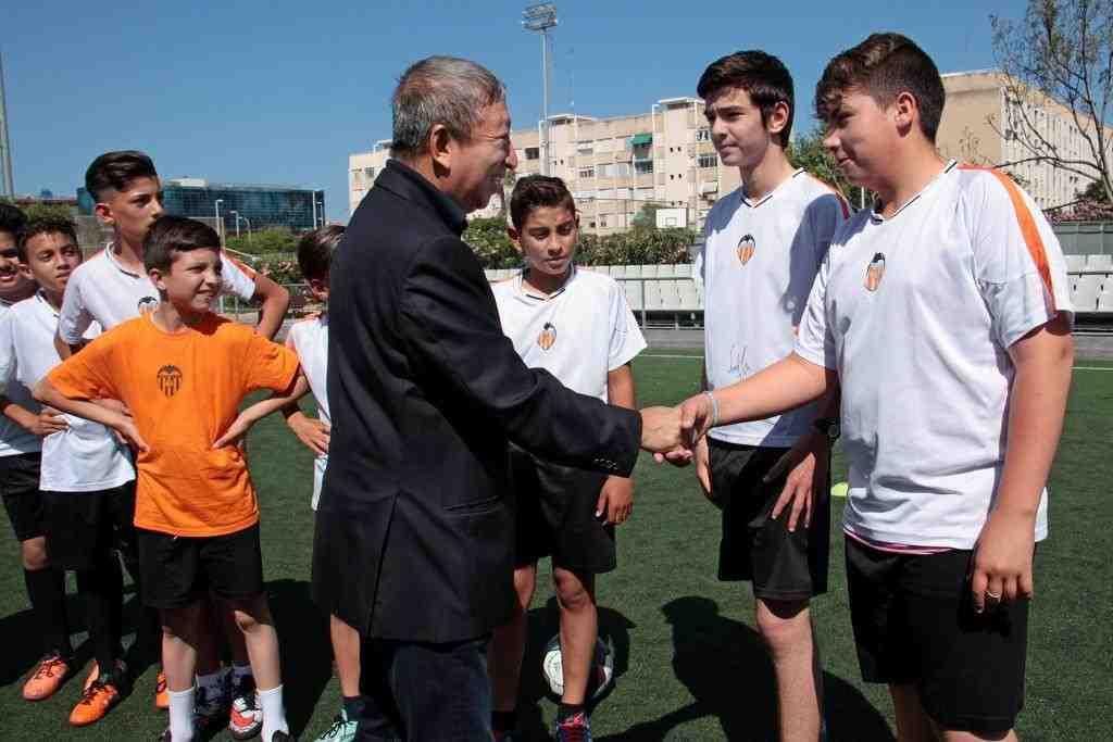 escolas-cor-blanquinegre-fundacio-vcf-visita-presidente-003