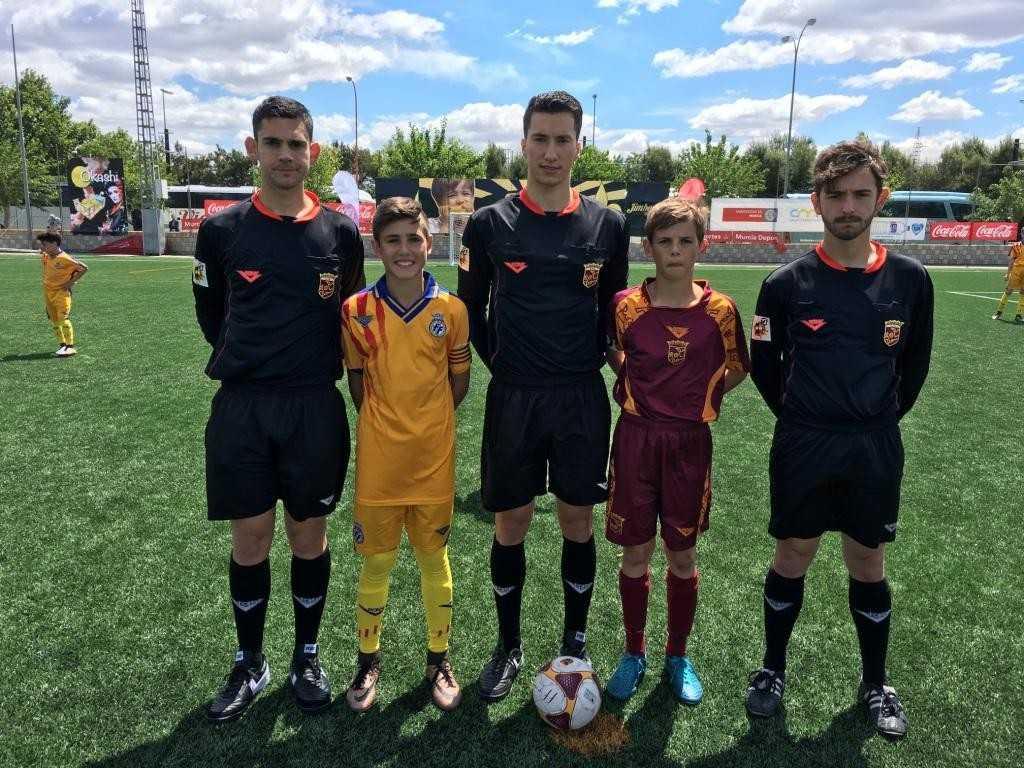 Capitanes y árbitros en el Comunidad Valenciana - Murcia | Foto: FFCV