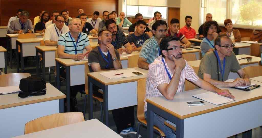 reunion-futbol-8-congreso-ffcv-003