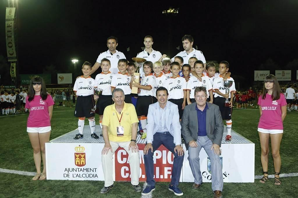Valencia CF, campeón Prebenjamín 2013 | Foto: COTIF