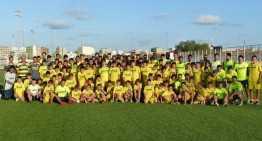 Los niños del Campus del Villarreal aprovechan para 'colarse' en el primer equipo