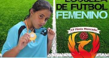 La escuela de fútbol femenino CF Fénix Moncada echa a rodar