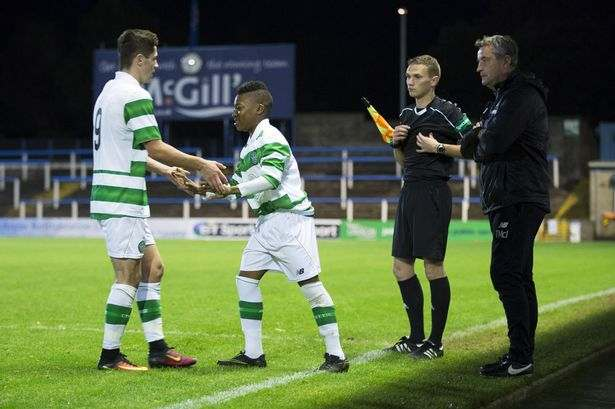 Momento del debut de Dembelé | Foto: Jamie Williamson (Mirror)