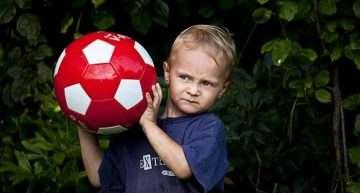 'Quitarle' el fútbol a tu hijo si no aprueba: ¿acierto o error?