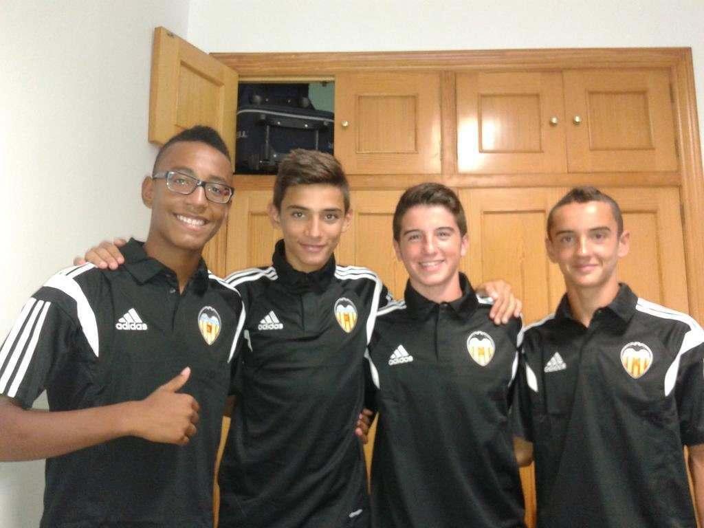 Nabil, junto a algunos de sus compañeros | Foto: Nabil Touaizi