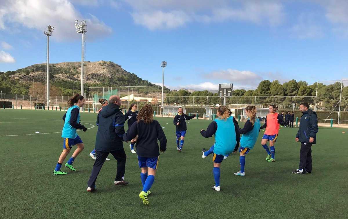 M s entrenamientos para la selecci n ffcv femenina sub 16 for Federacion valenciana de futbol