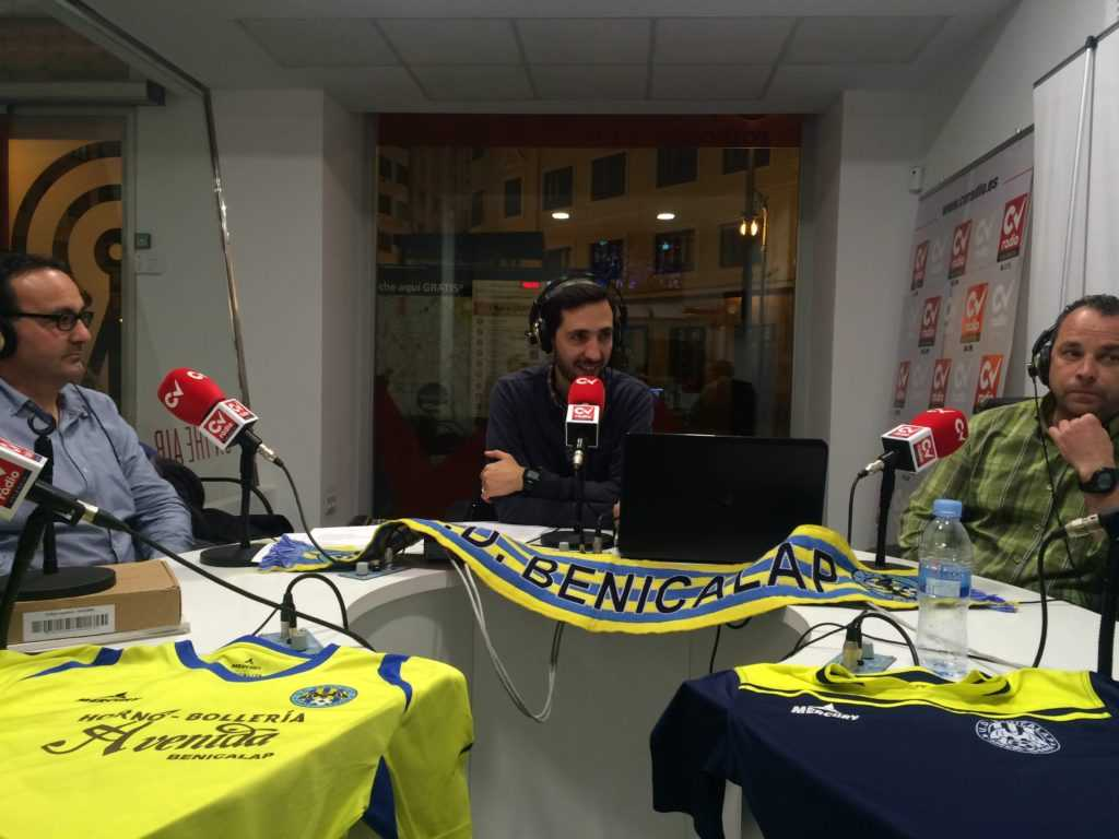 UD Benicalap durante la tertulia con David Blay | Foto: Ángel Ferrer