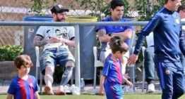 Padres, tomen nota: Messi y Suárez no protestan ni agobian a sus hijos