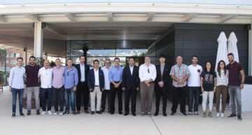 El presidente Anil Murthy muestra su apoyo al proyecto Escoles Cor Blanquinegre
