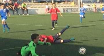 El Benicarló anima a los chavales del Burriana FB Alevín tras vencerles por un amplio marcador