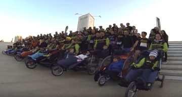 AVAPACE Corre disfrutó a tope de una Maratón Valencia solidaria entre amigos